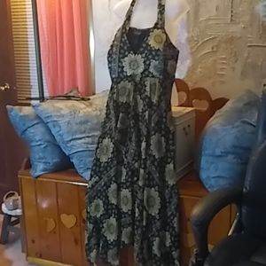 Gold black lined plus size 20 georgeous dress